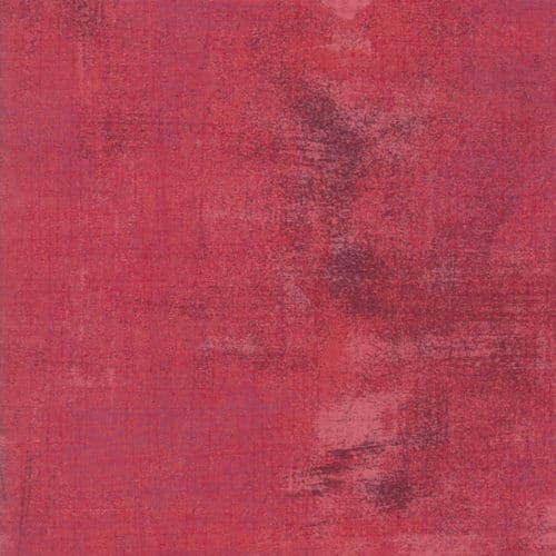 Rapture Rose 30150 331 Grunge moda Basic Grey. Rood-roze grunge verlevendigd met donkere veegjes. Quiltstof, 100% katoen