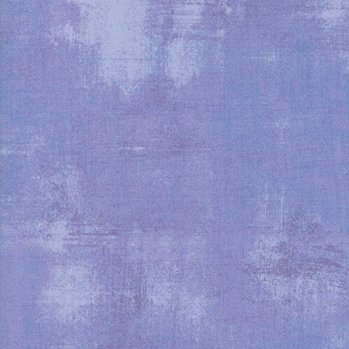 Quiltstof Moda Basic Grey. Bijna effen blauw-paarse crocustint quiltstof, 100% katoen