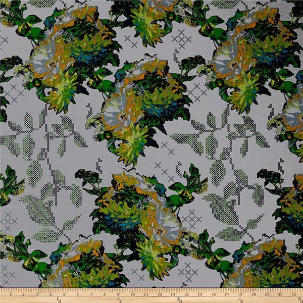Moderne grijze quiltstof met grote groene bloemen op grijze achtergrond, Anna Maria Horner, 100% katoen