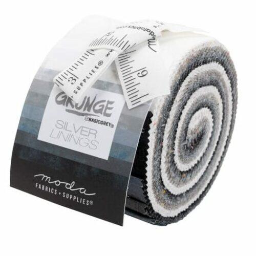 Grunge Junior Jelly Roll Silver Lings, tien kleuren bijna effen Grunge-stoffen in het spectrum wit-grijs-zwart. Een ontwerp van Basic Grey voor Moda. Quiltstof, 100% katoen.