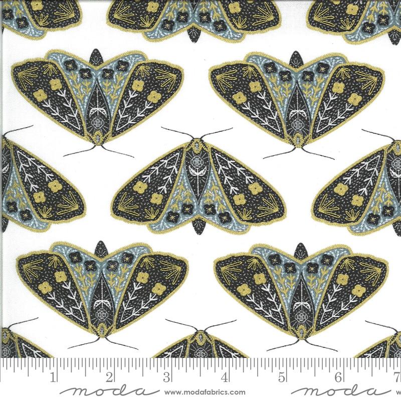 Wit-grijze moderne quiltstof met vlinders
