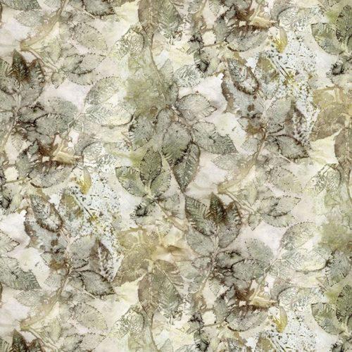 Katoenen quiltstof met motief van grijs-groene bladeren tegen een lichte achtergrond.
